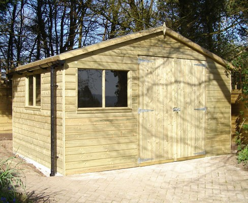 Gable shiplap shed with extra guttering detail