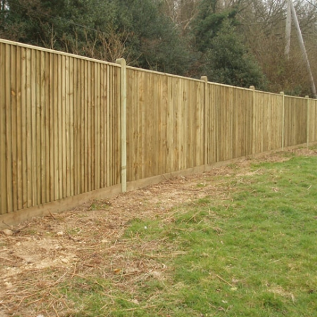 Closeboard with Counter Rail and Capping Kit Form installed with round top posts