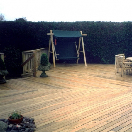 Large decking area installed using 32 x 100mm bevelled decking boards.