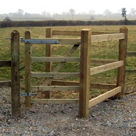Kissing gate set installed