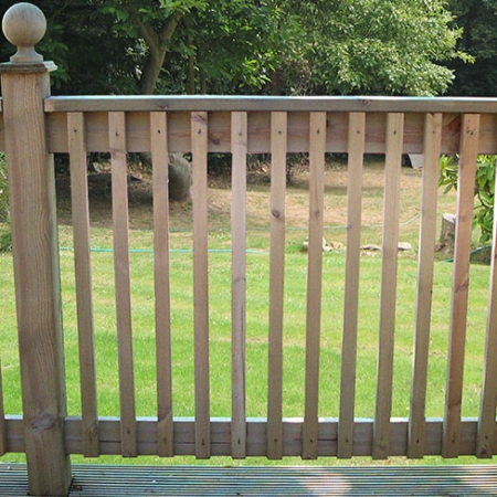 Bevelled Handrail, pictured with bevelled spindles, supoort post and ball & collar finial