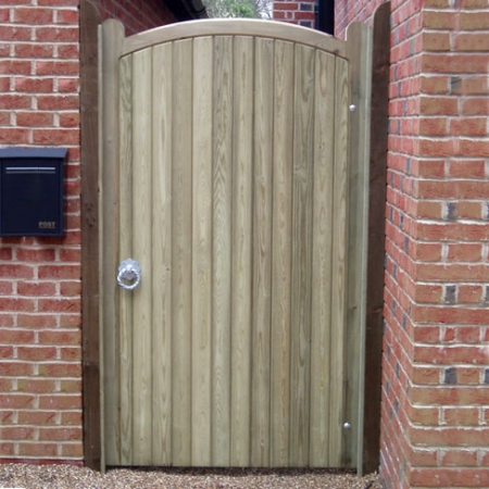 Heavy frame single curve top Sherborne gate