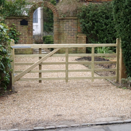 Softwood Kent gate suitable for a drive gate