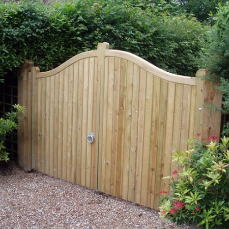 Front view of installed softwood Cranbourne gates
