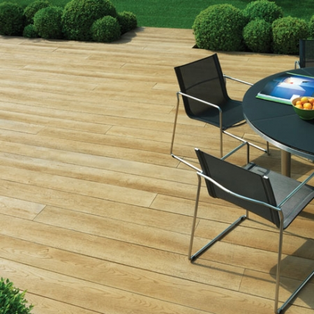 Stylish composite decking; Enhanced Grain in Golden Oak colour. Perfect for outside entertaining.