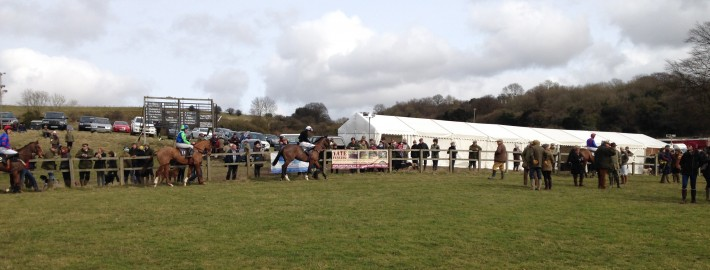 Tate Fencing support South East Hunts Club at Point-to-Point Races