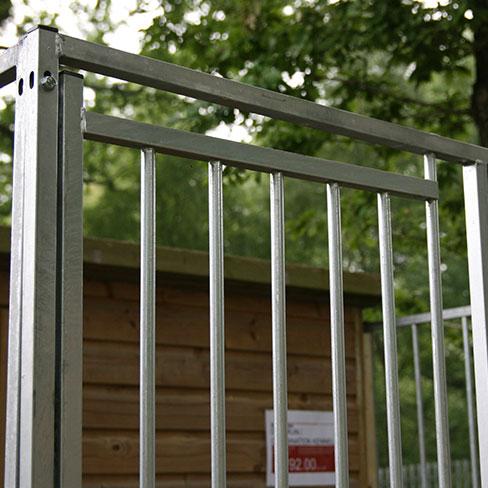 TATE Pent Dog Run - Cage door detail