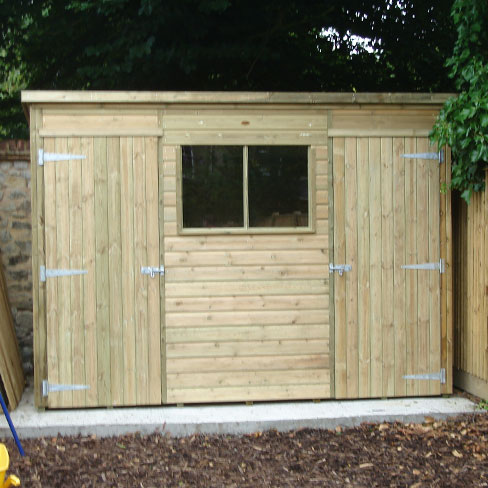 Pent shiplap shed with two door detail