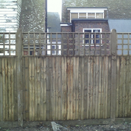 Closeboard Kit form with 600mm trellis installed in garden