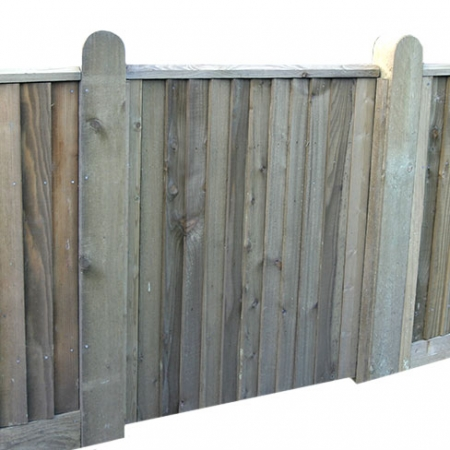 Small standard frame Closeboard gate installed in matching fence run