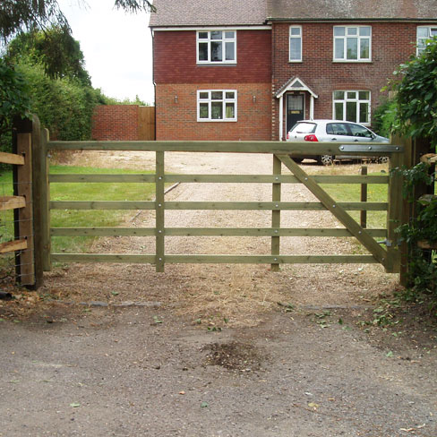 Tanalised softwood Kent gate suitable for a drive way or entrance gate