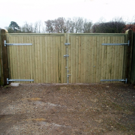 Rear view showing the hinges a pair of Richmond metal frame timber clad TGV gates