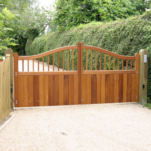 Windsor swish top hardwood gates a pair installed