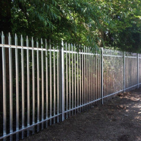 steel palisade security fencing with a tri point top