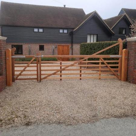 5 Bar Gates & Entrance Gates