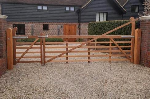 Tate Fencing 5 bar gates and Entrance Gates